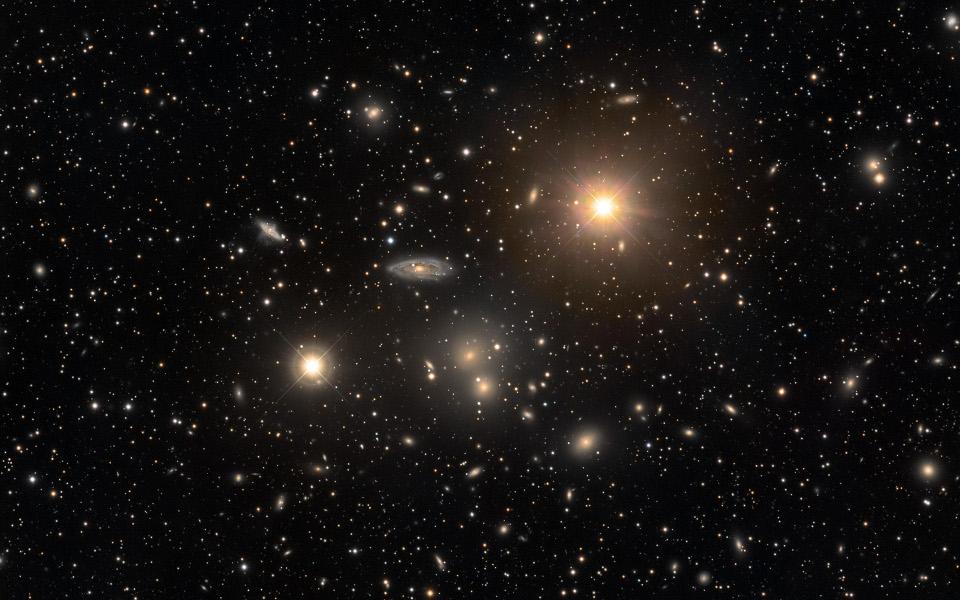 Cluster Hydra Dan Galaksi-Galaksi