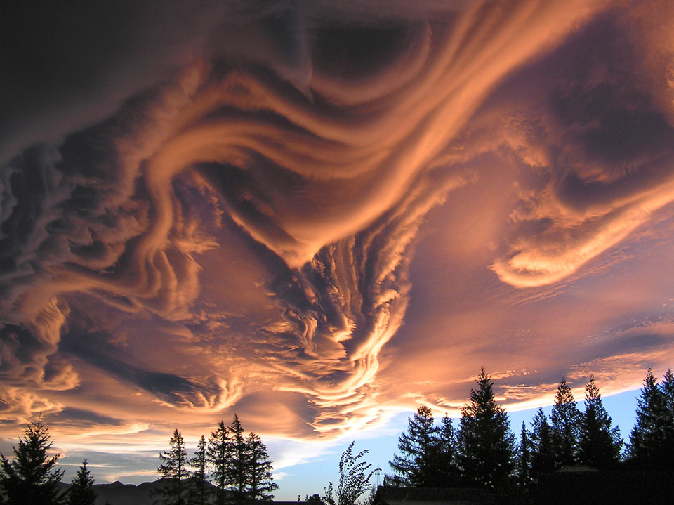 Awan Asperatus Di Atas Selandia Baru