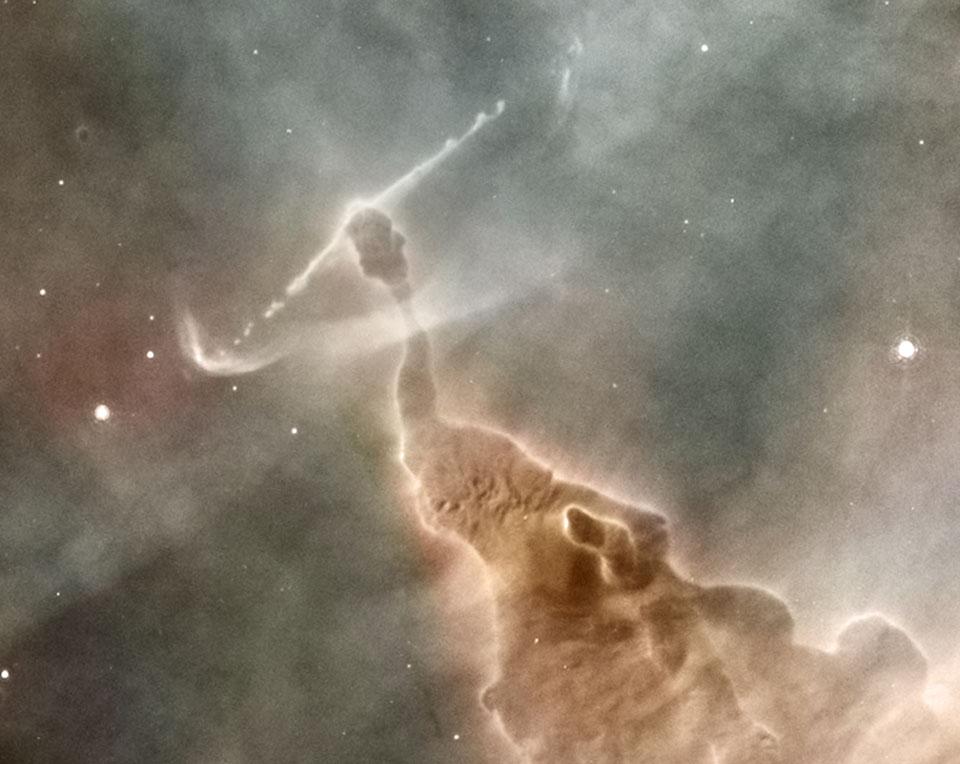 Debu Tiang dari Nebula Carina