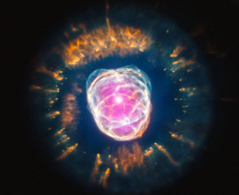 Eskimo Nebula dari Hubble dan Chandra