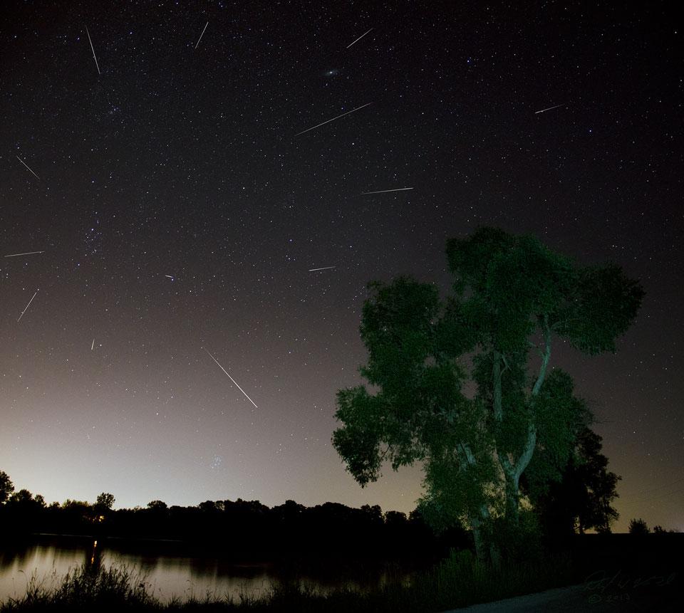 Meteor Perseid Selama Ontario