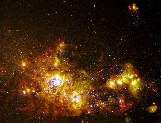 NGC 4214: Una Galaxia Formadora de Estrellas
