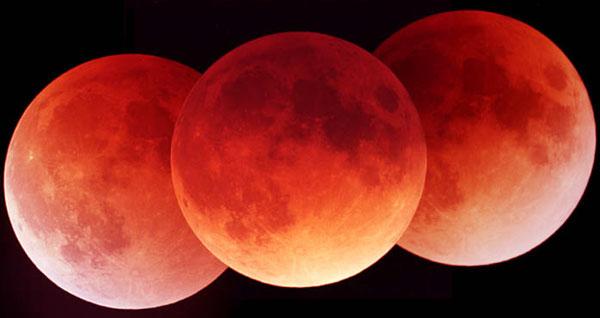 Un Eclipse Lunar en Tres Exposiciones