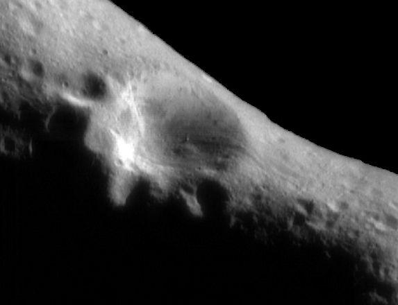 En órbita alrededor de Eros