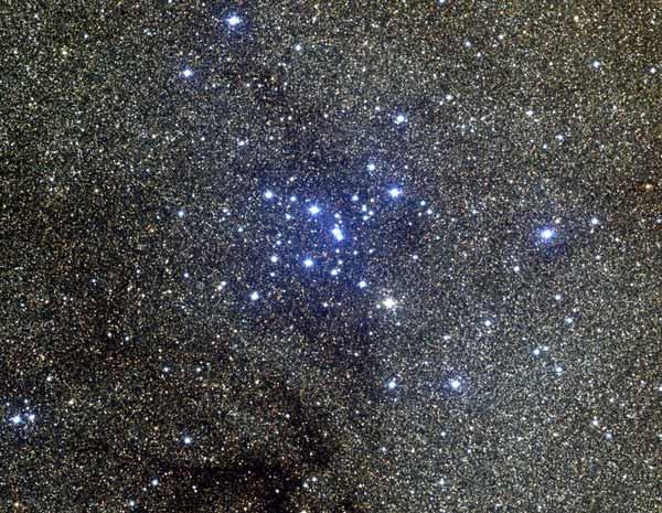 M7, cúmulo abierto en Scorpius
