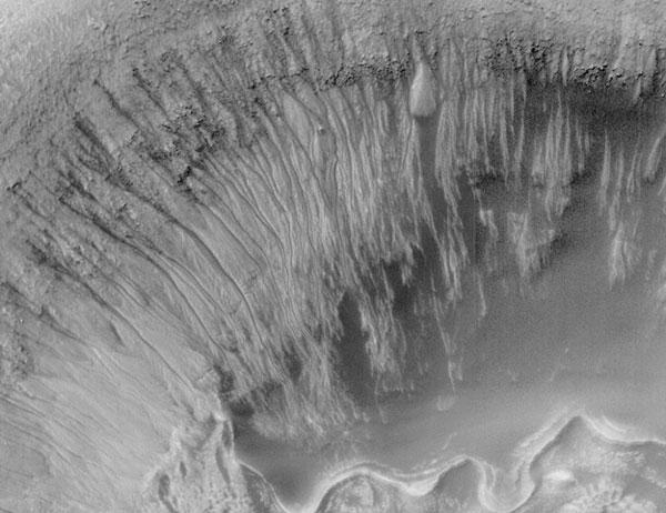 Newton Crater Pruebas recientes de agua en Marte