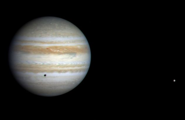 La Sonda Cassini se acerca a Júpiter