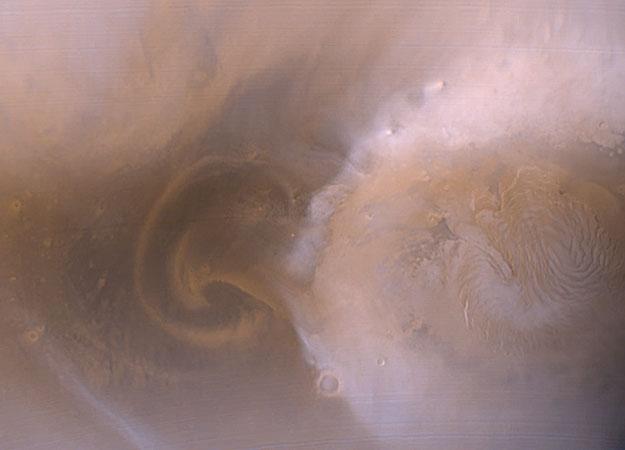 Una Tormenta de Polvo Polar Marciana