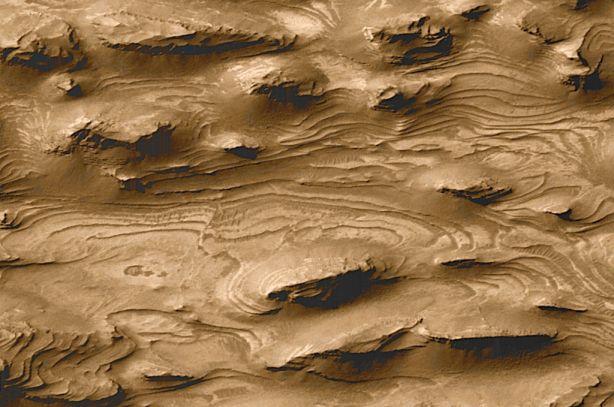 Los estratos de Marte: ¿Un antiguo mundo de agua?