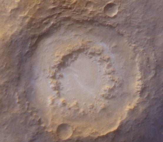 Un Cráter Helado en Marte