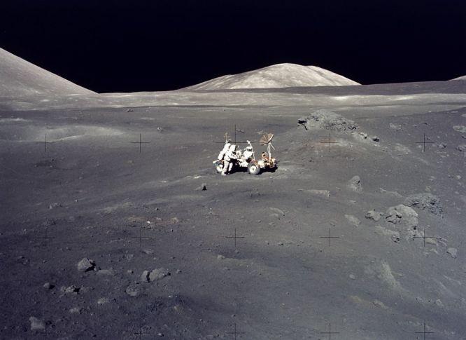 Paisaje lunar de la misión Apollo 17: una magnífica desolación