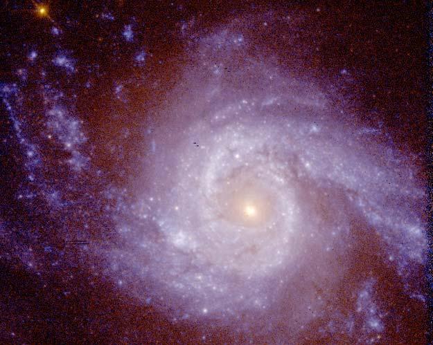 La galaxia espiral NGC 3310 en ultravioleta