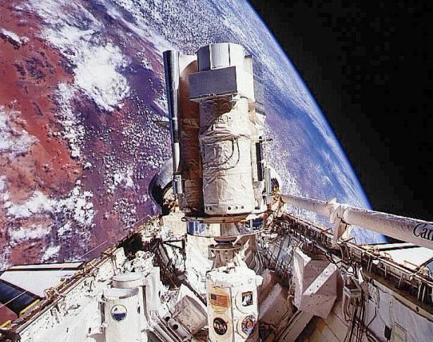 La Astro-2 en órbita