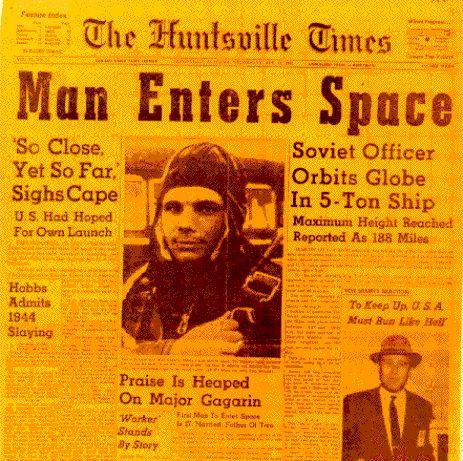 El Hombre Sale al Espacio