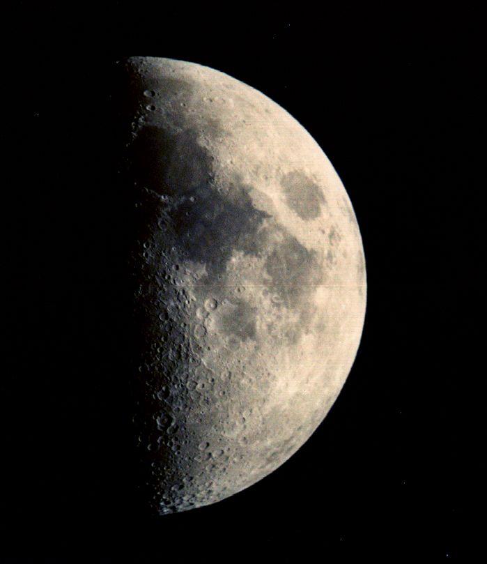 http://apod.nasa.gov/apod/image/0104/moon_sct_big.jpg