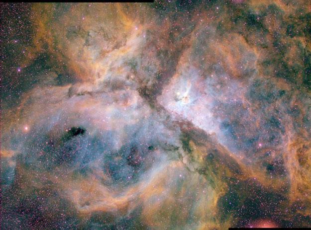 La Nebulosa Carina en tres colores