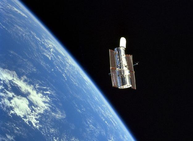El Telescopio Espacial Hubble en órbita