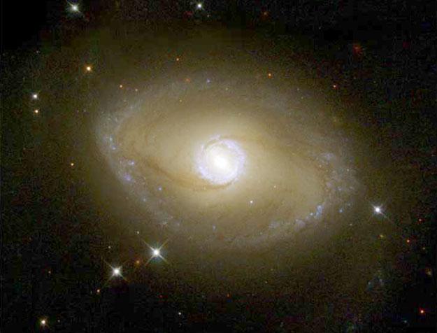 La Galaxia anular de NGC 6782