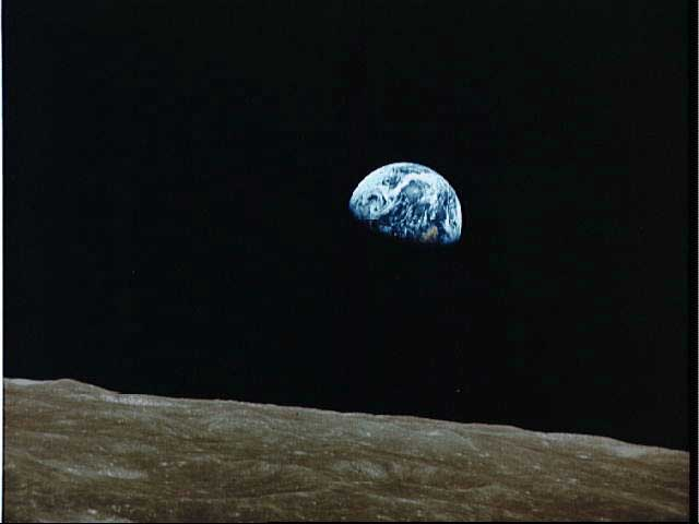 APOD: 2002 January 27 - Earth Rise