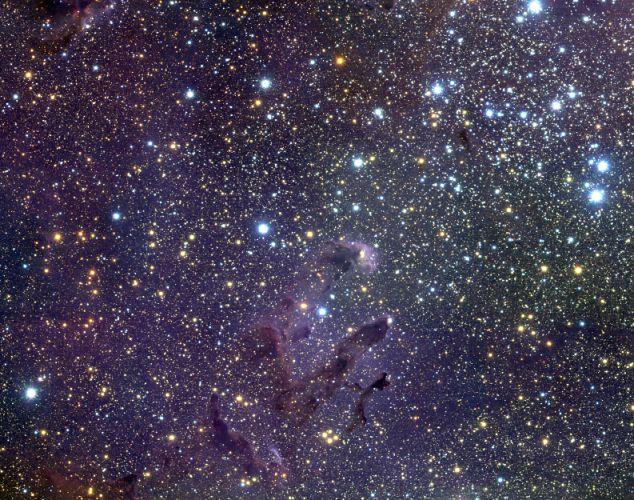 M16: Estrellas, pilares, y EGGs en Aguila