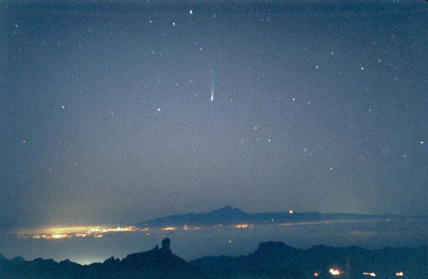 Cometa Ikeya-Zhang sobre Tenerife