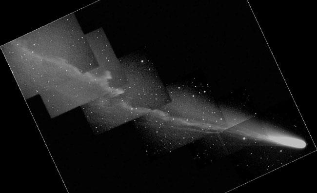 La gran cola del Cometa Ikeya Zhang
