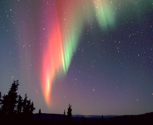Cometa y Aurora sobre Alaska