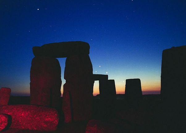 Planetas sobre Stonehenge