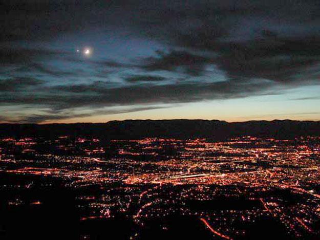 La Luna y Venus sobre Ginebra