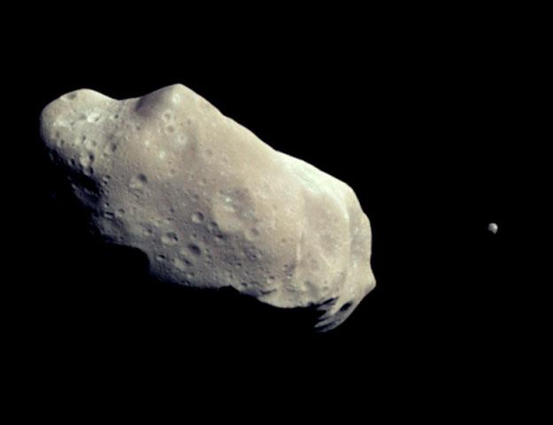 Ida y Dactyl: un asteroide y su luna
