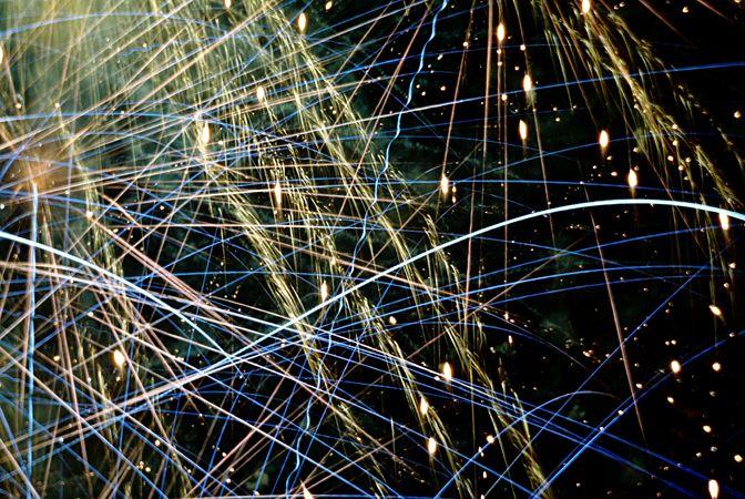 Fuegos artificiales y estrellas
