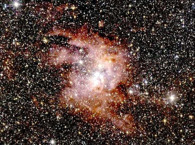 La Gigante Nebulosa de Emisión NGC 3603 en Infrarrojo