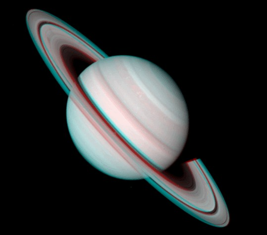 Saturno en Estéreo