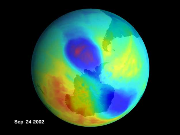Un Pequeño Agujero Doble en el Ozono en 2002