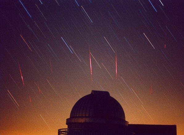 Leónidas 2001: Cuando los Meteoros Convergen