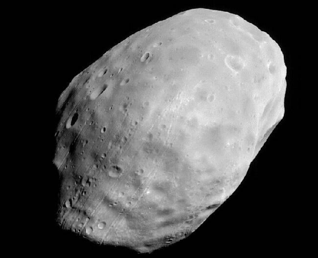 La luna marciana Fobos desde MGS