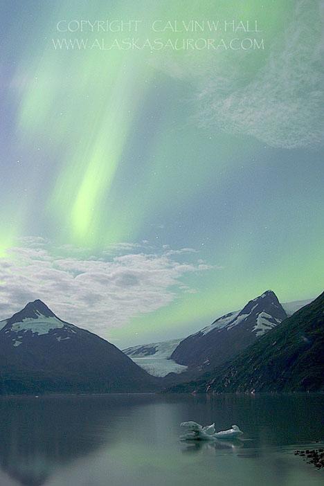 Aurora sobre las Montañas Chugach