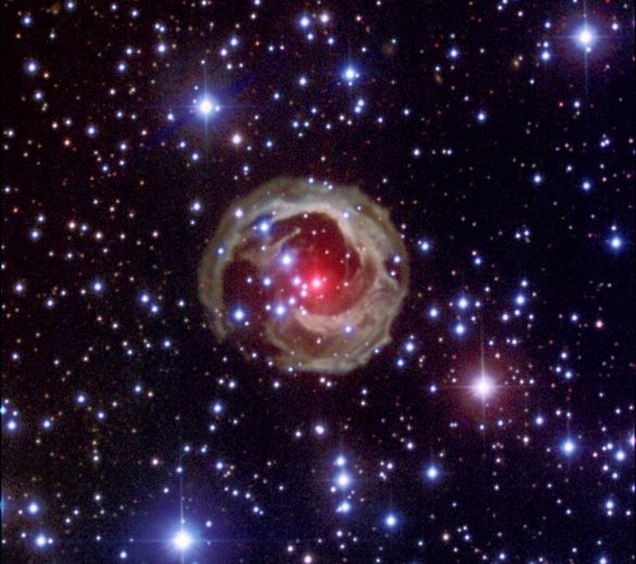 La asombrosa estrella V838 Mon