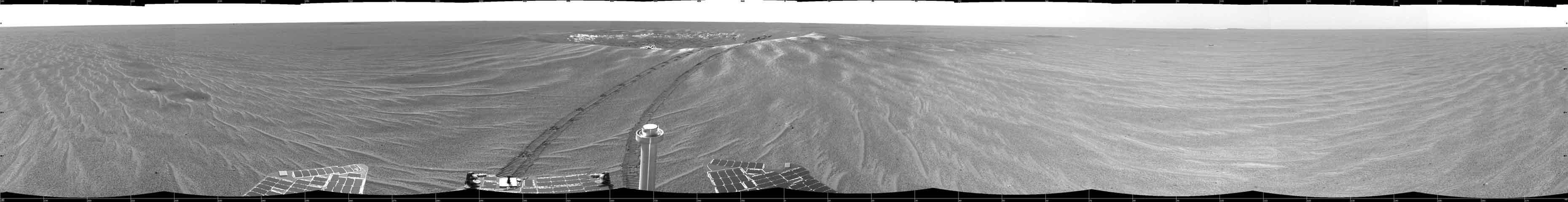 Hoyuelos intrigantes cerca del Cráter Eagle en Marte