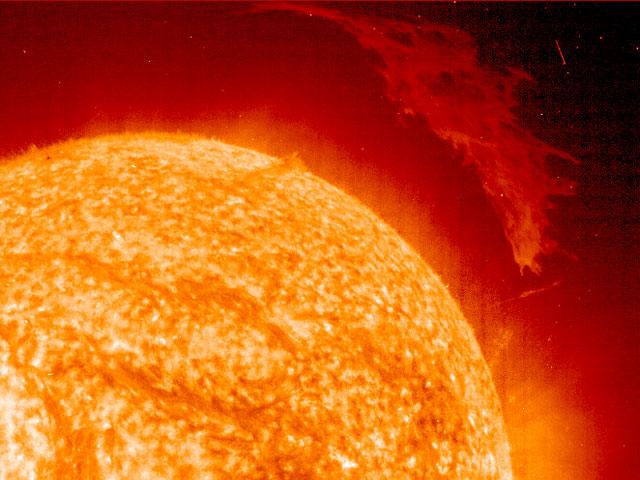 Una prominente prominencia solar desde el SOHO