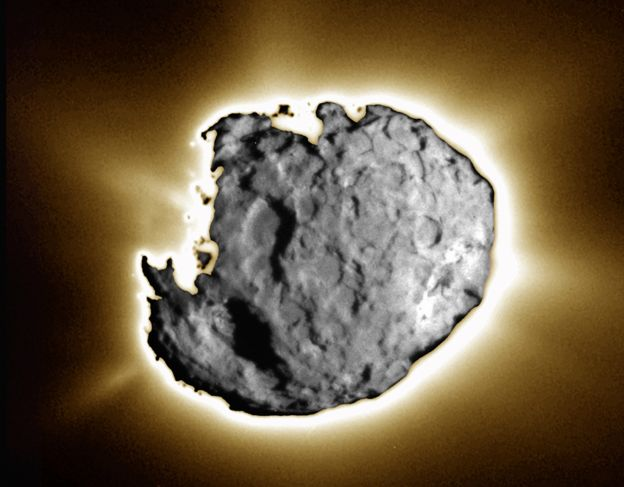 Sobrevolando el cometa Wild 2