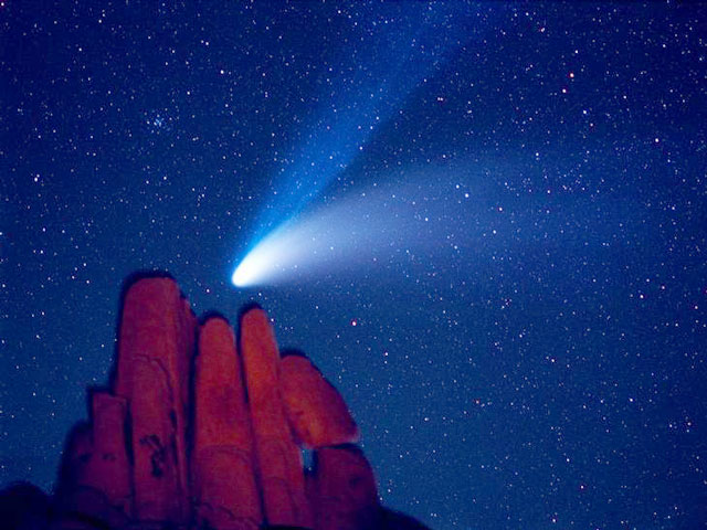 El cometa Hale-Bopp sobre Indian Cove