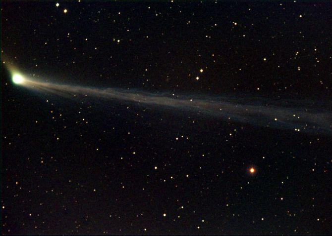 Cometa C/2002 T7 (LINEAR)