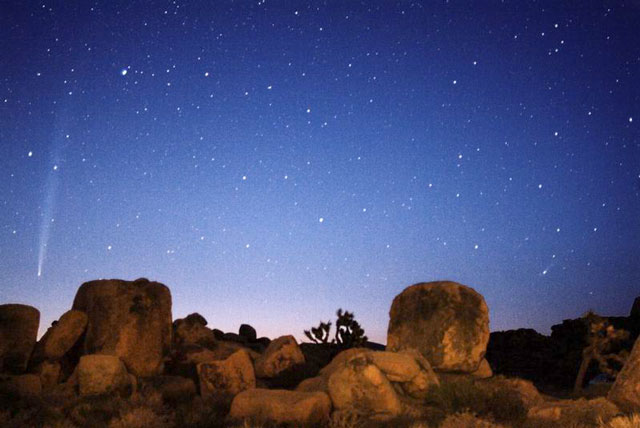 El Advenimiento de los Cometas Bradfield, LINEAR y Q4