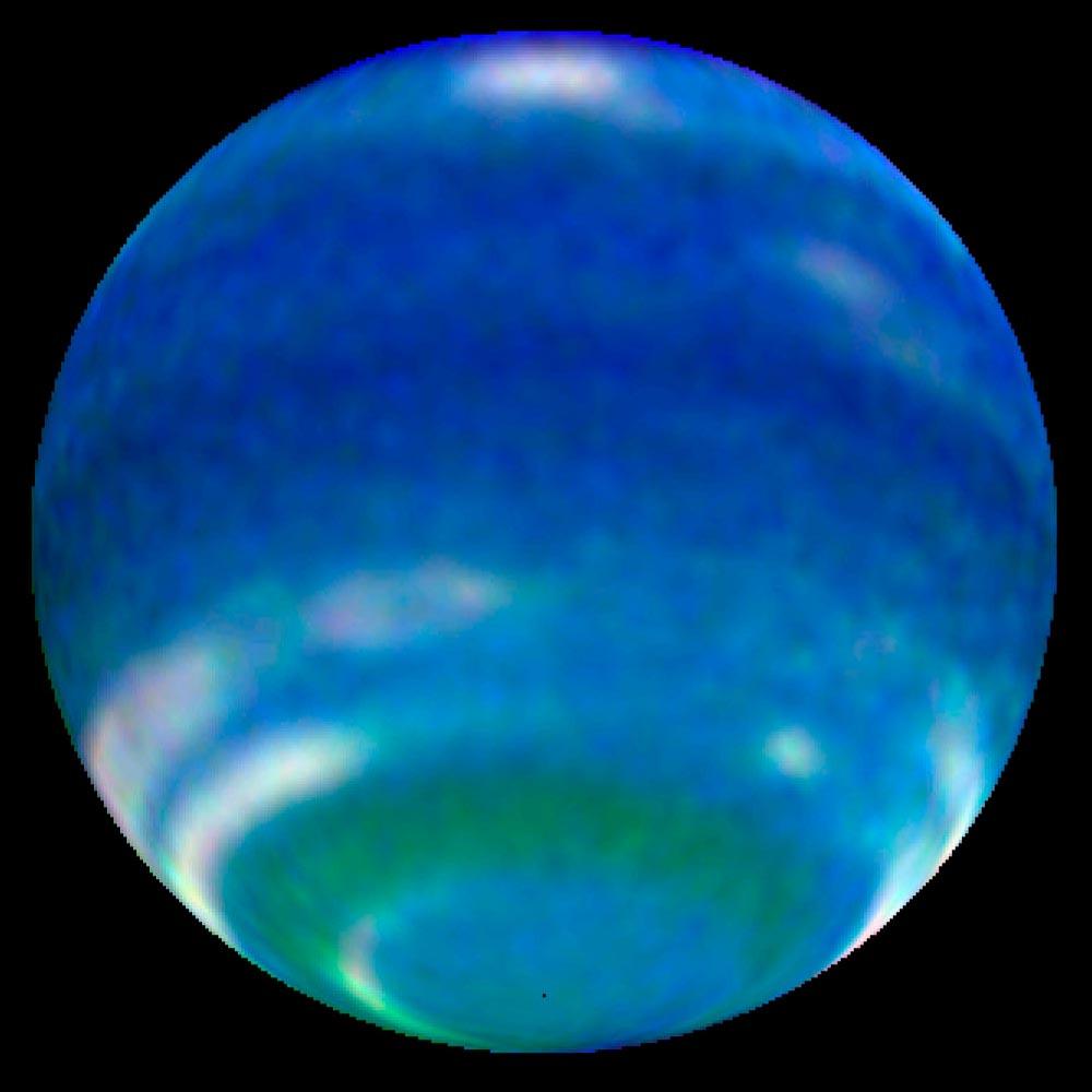APOD: 2004 June 26 - Neptune: Still Springtime After All ...