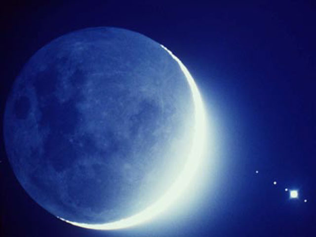 Apod 2004 july 31 tonight a blue moon for Cuarto menguante de la luna