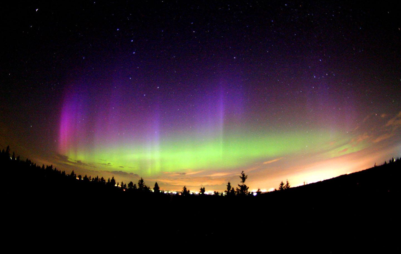 APOD: 2004 July 30 - Northern Lights