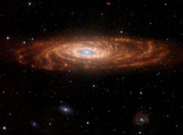 NGC 7331: una galaxia así inclinada