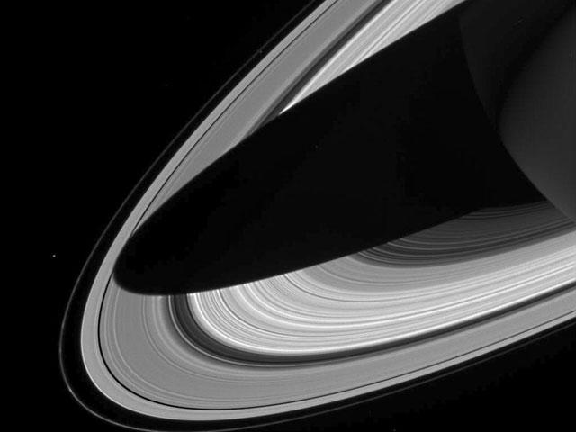 Una sombra sobre los anillos de Saturno