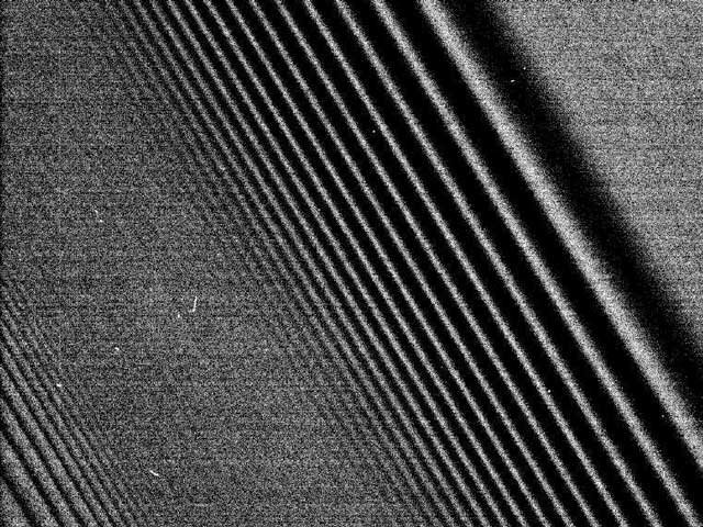 Imágenes de la densidad de ondas en los anillos de Saturno por el Cassini